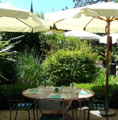 Guided tour of provence le jardin du quai l 39 isle sur sorgue for Restaurant jardin lee