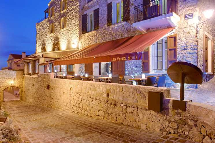 Private tour les vieux murs deluxe drivers for Resto le jardin antibes