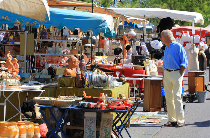 L'Isle-sur-la-Sorgue International Fair Provence Antiques Tour